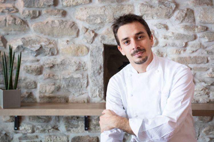 Gianluca Gorini, chef del ristorante DaGorini, premiato da Elisabetta Serraiotto Responsabile Marketong e Comunicazione del Consorzio Tutela Grana Padano