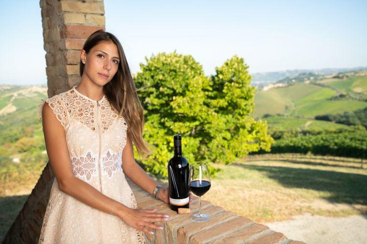 Marianna Velenosiclasse 1993, si è laureata in Economia Aziendale & Management alla Bocconi di Milano con una specializzazione in Marketing. Oggi, dopo esperienze all'estero, lavora con passione nell'azienda di famigia