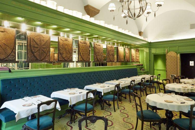 La sala di Gucci Osteria da Massimo Bottura, Firenze. Il restaurant manager èDamiano Barbato, giovanissimo come tutta la squadra di sala
