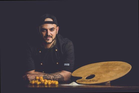 Il pizzaiolo Ippazio Ricchiuto, titolare di Spicchi d'artedal 21 marzo 2019
