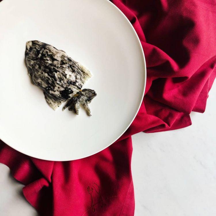 Tre altre creazioni recenti di Borghese a Il Lusso della Semplicità. Qui Ho trovato una seppia a Capri, con seppia cotta a bassa temperatura, fior di latte di Agerola e pomodoro costoluto toscano