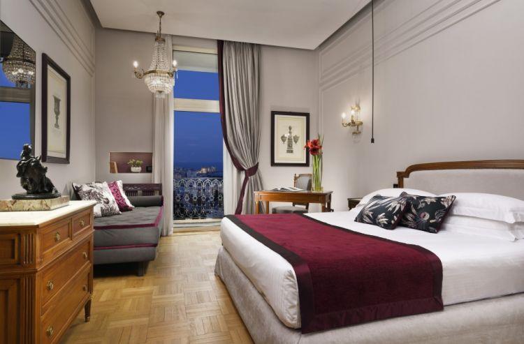 Una delle stanze deluxe dell'Hotel