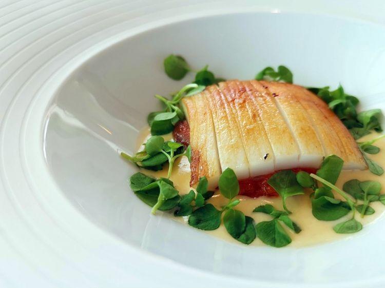 Calamaro di Bordighera scottato sulla piastra, patata dolce cotta una notte intera nel forno a legna, salsa bagnacauda rivisitata (olio, acciughe, patate)