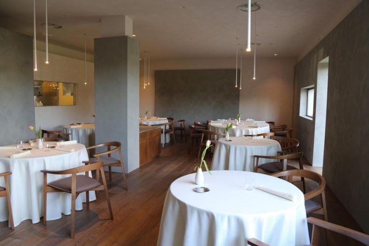 La sala del ristorante Abbruzzino a Catanzaro Lido