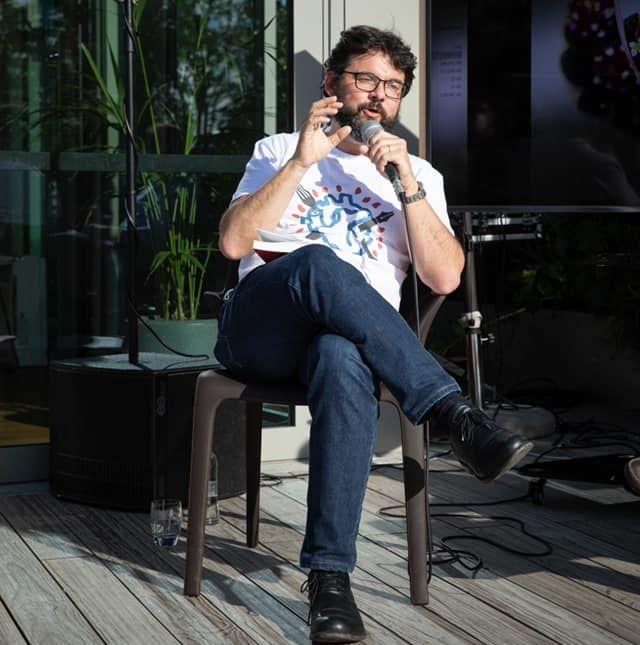 Luca Iaccarino durante una delle presentazioni del libro