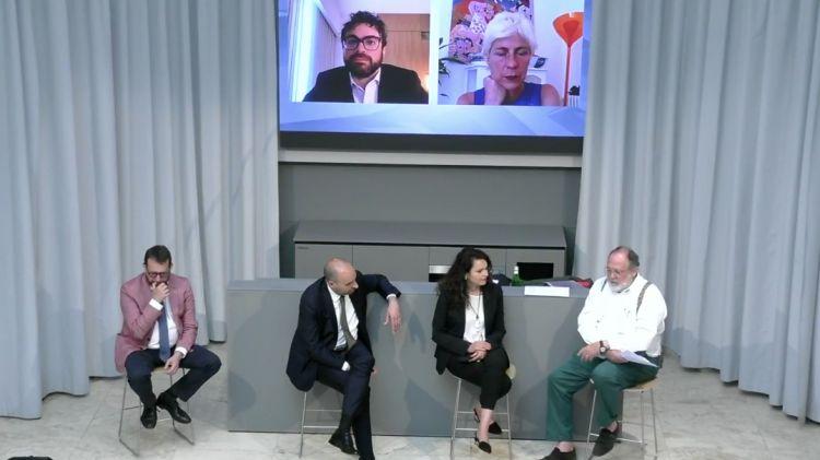 Il collegamento digitale con gli altri due relatori, Maria Elena Rossi e Luca Romozzi