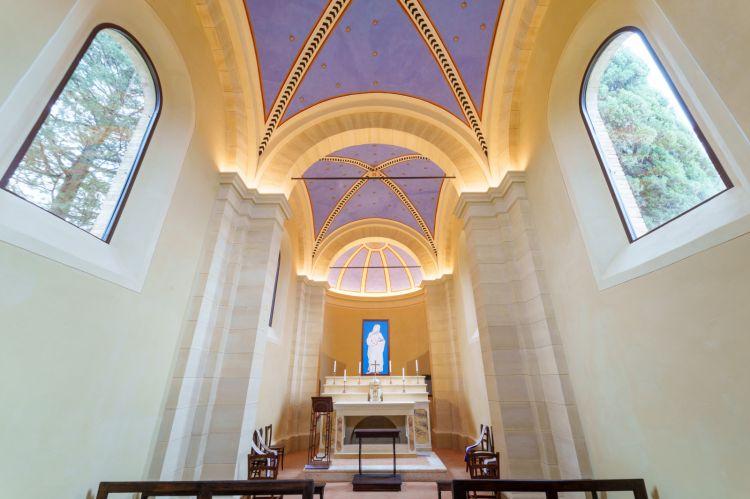 Gli interni restaurati della cappella