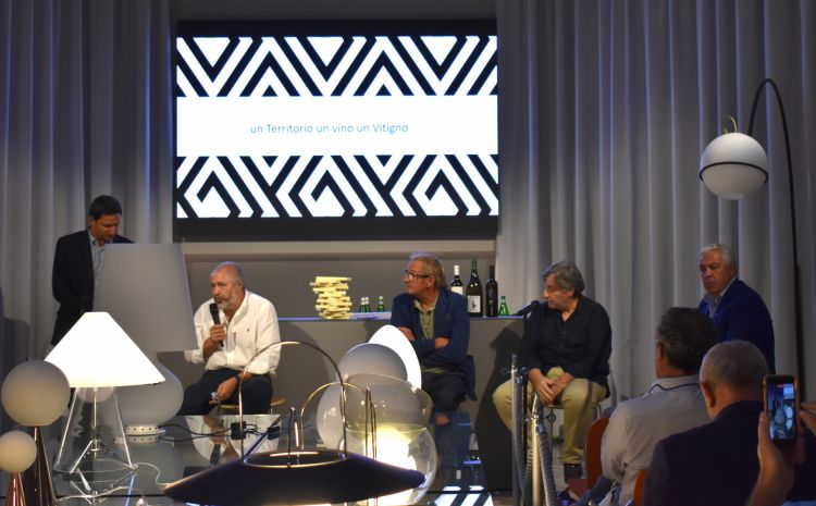 Un momento della conferenza all'Hub.Il Consorzio dei Colli Tortonesi sarà presente con un proprio spazio al congresso di Identità Golose di Milano, 25-27 settembre
