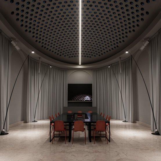 ...e qui sempre Groppi nella sala ovale di Identità Golose Milano, quella dedicata agli eventi. Spiccano le lampade Sampei