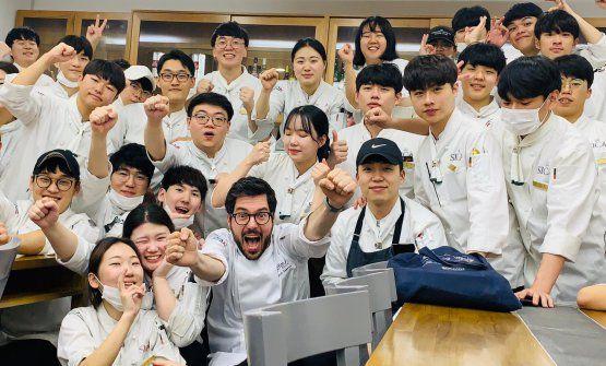 Fabrizio Ferrari e i suoi studenti coreani