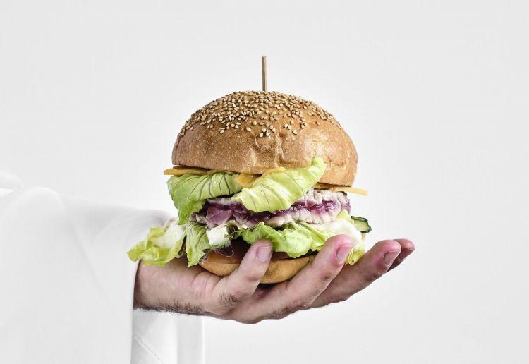 L'Hamburger di tonno rosso di Giuseppe Iannotti