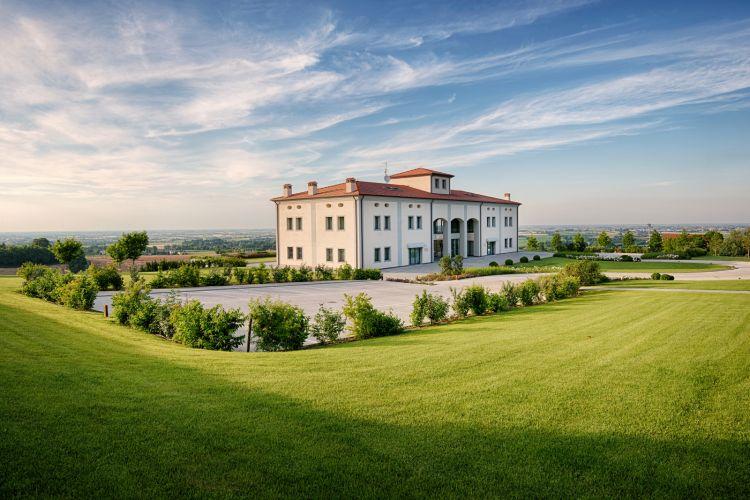 La tenuta dell'azienda, via Stanzano2160 aCastel San Pietro Terme (Bologna)