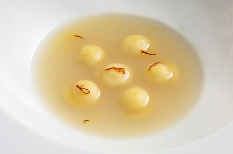 Absolute onion, Parmigiano and toasted saffron(2009)