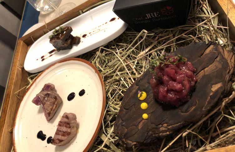 Il Cervo: goulash (nella scatola), scottato, costine e tartare