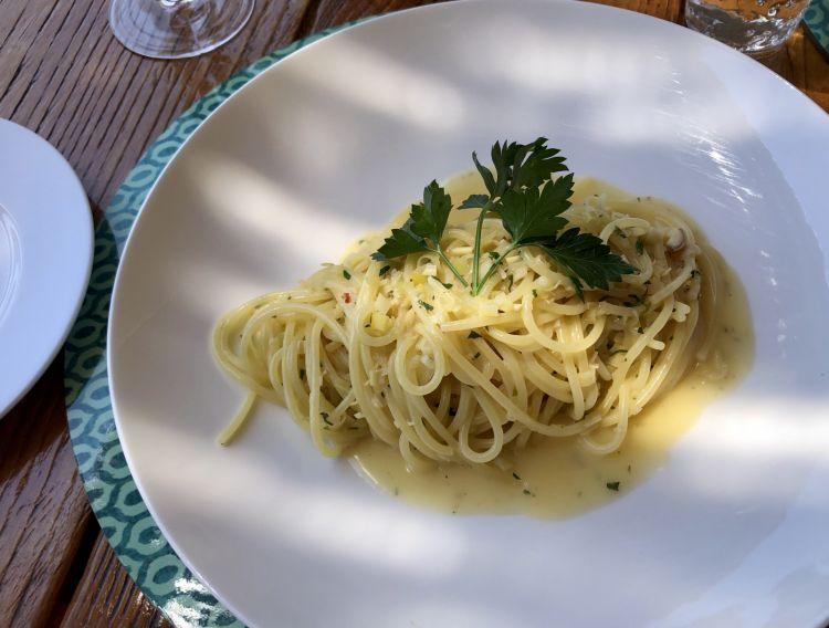 Spaghetti al limone e peperoncino, un classico del Carlino