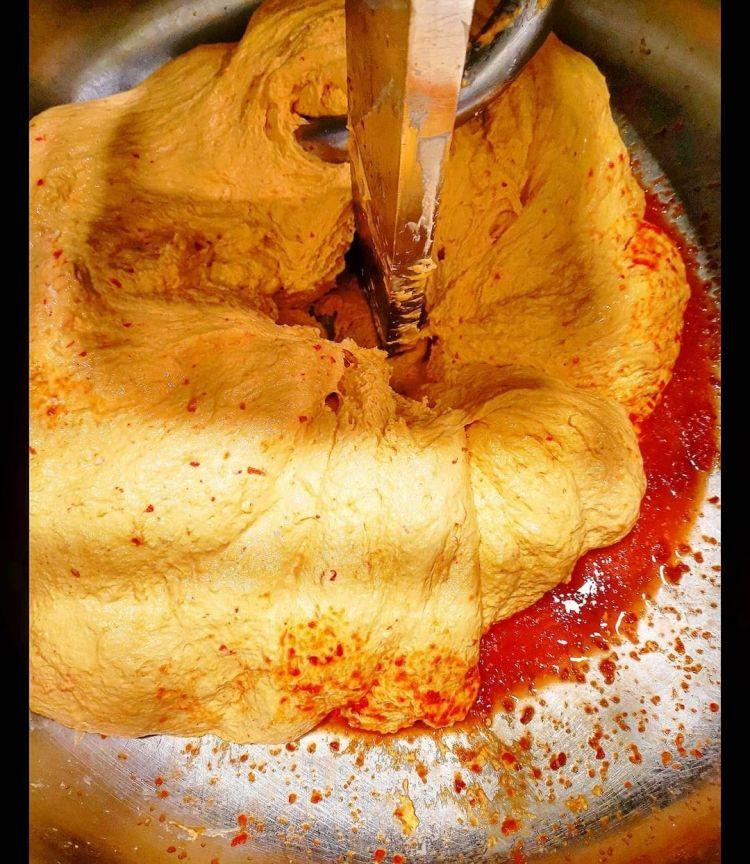 L'impasto per la pizza con polpa fermentata del peperone