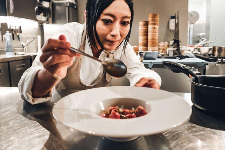 Jun Giovannini, giapponese di Tokyo, chef di Mu fish a Nova Milanese (Monza-Brianza)