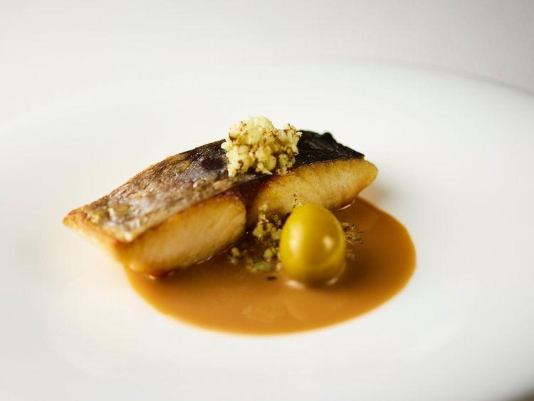Sawara(mackerel),garum, bella di Cerignola and raw cauliflower with lemon