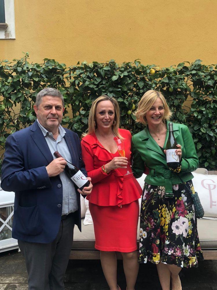 Con Gaia Marano, Giovanni Ricciardi e Chiara Fontana, proprietari di Palazzo Gentilcore a Castellabate (Salerno)