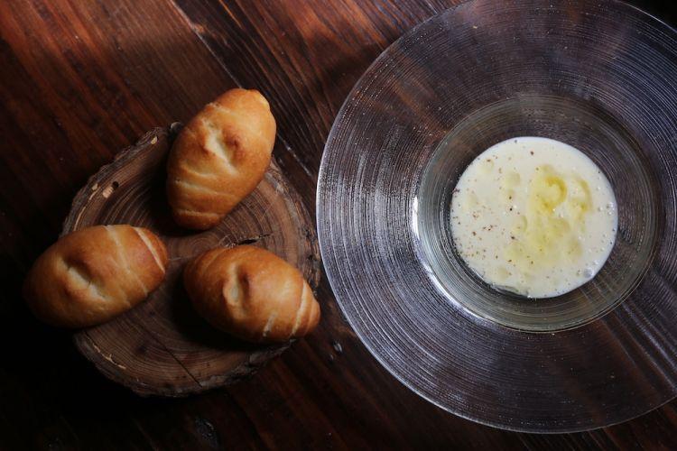 Crema di patate e porri con olio al limone