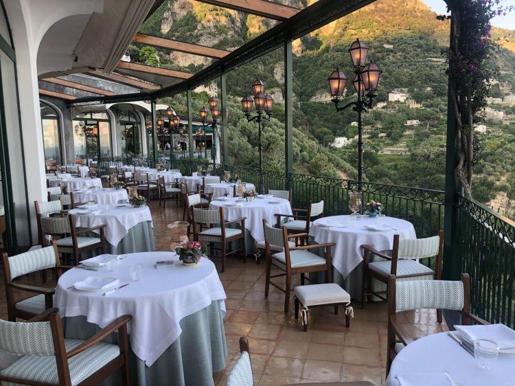 Laterrazza di Zass, il ristorante con una stella Michelin, vista mare e Praiano
