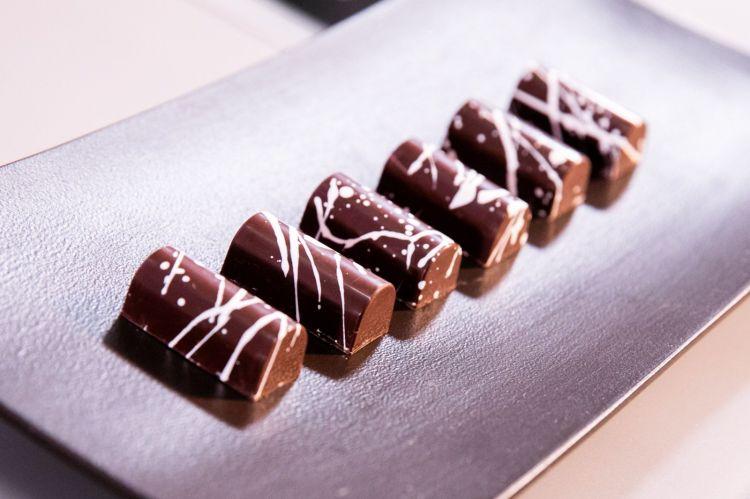 Il cioccolatino alla cipolla caramellata, omaggio di Knam a Oldani