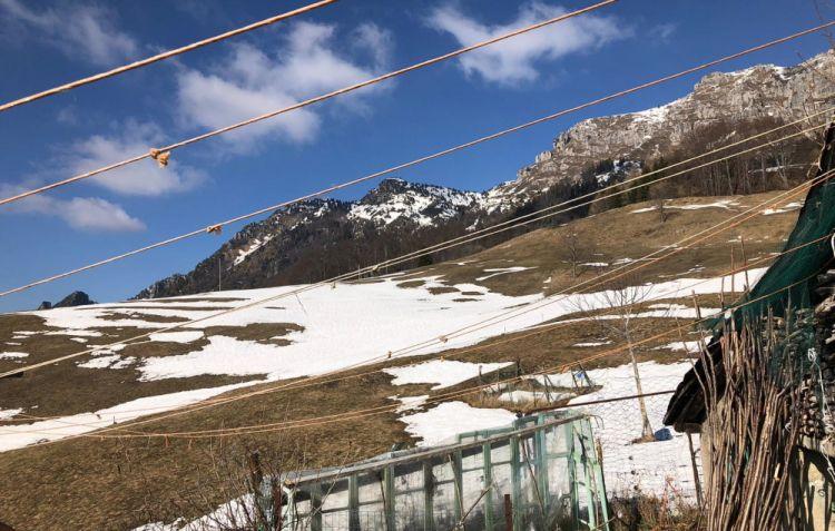 Le montagne e i prati a Magasa