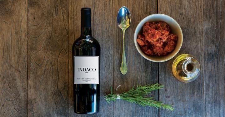 Indaco - Toscana Igt - è realizzato conMalbec, Cabernet Sauvignon e Merlot