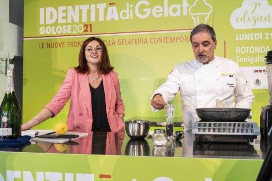 Eleonora Cozzella, moderatrice dell'intera giornata, con Maurizio Poloni, Gruppo Artico Gelaterie, Milano
