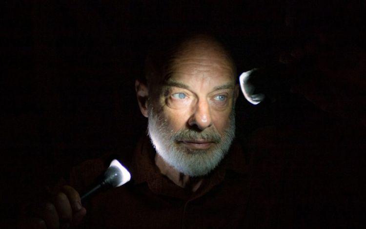 Brian Eno, musicista e compositore inglese, suo il pensiero che sintetizza, in apertura del libro I am not a gelato, il mondo di Paolo Brunelli: «Due idee mi hanno sempre attratto: quella di realizzare la musica come un dipinto e quella di creare immagini come se fossero musica»
