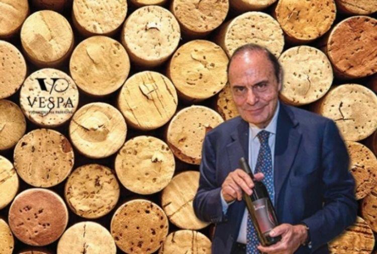 Bruno Vespa in versione produttore di vino a Manduria in Puglia