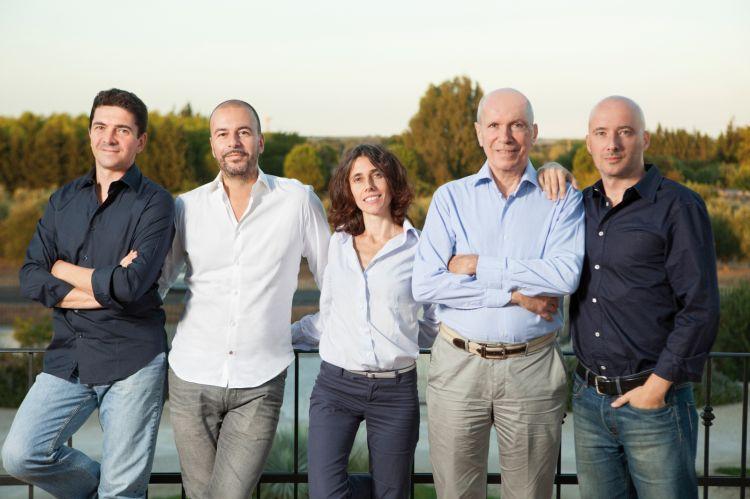 La famiglia Cantele: Gianni, Paolo, Luisa, Domenico e Umberto Cantele