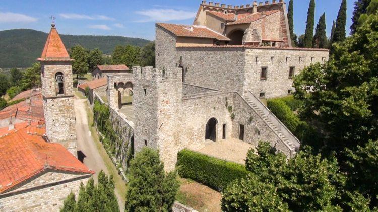 Una bella veduta del Castello di Nipozzano