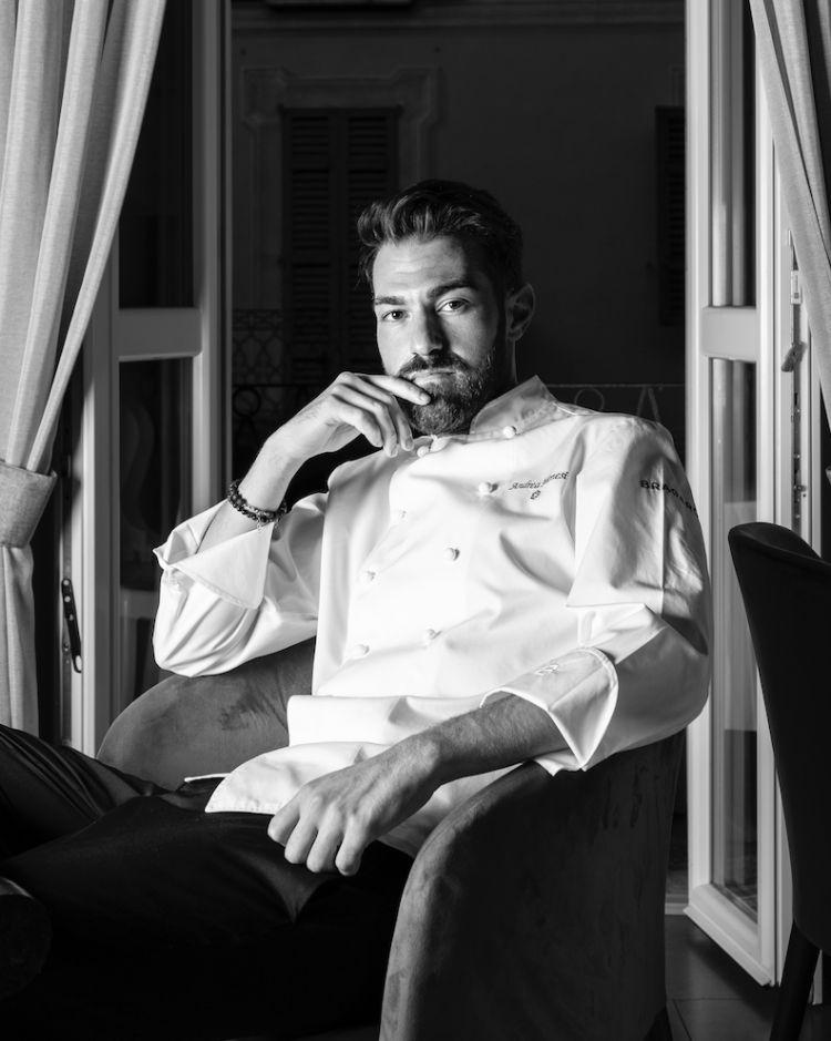 Un ritratto di Andrea Monesi, chef quasi trentenne della Locanda di Orta, è originario di Novara ma abbraccia le radici venete dei nonni