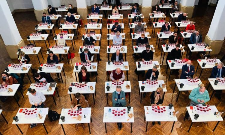 I partecipanti all'incontro al Circolo Filologico di Milano