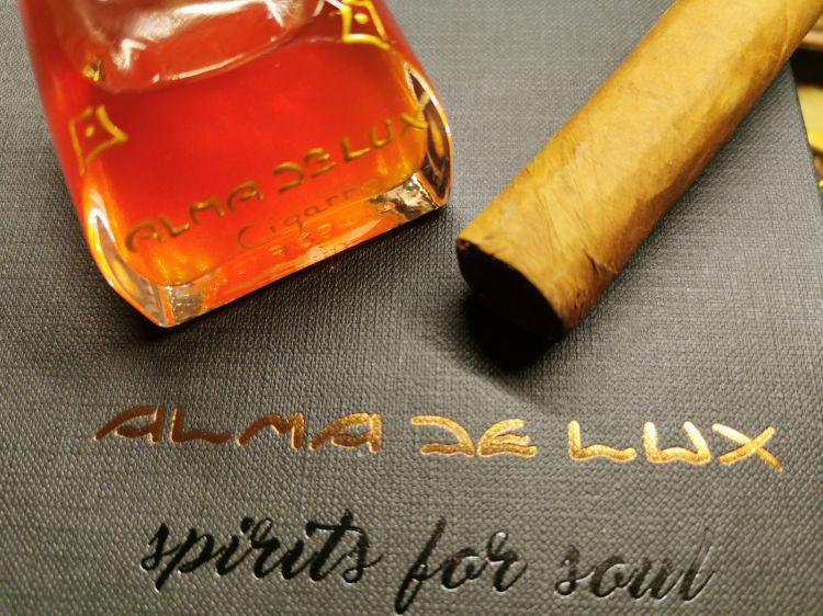 IlCigarro Liquor, un liquore alternativo che nasce dall'infusione dei migliori Puros Cubani