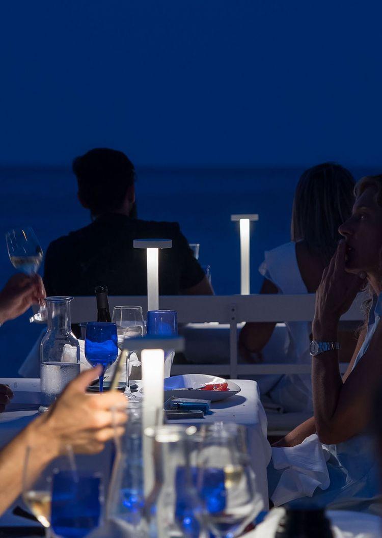 ...ma poi, come prima portata della cena, arriva al tavolo la TeTaTeT