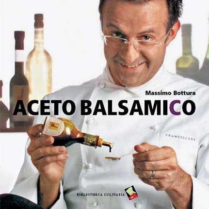 È del 2005 il libro che Massimo Bottura ha dedicato all'aceto balsamico, intitolato ovviamente Aceto Balsamico, euro 9,50 acquistandolo qui, edita Bibliotheca Culinaria