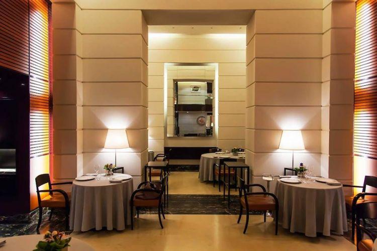 La primissima sede del ristorante Cracco a Milano, in via Victor Hugo