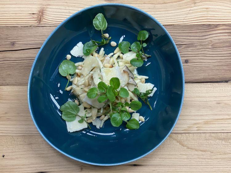 Parmigiano Reggiano 40 mesi, trofie ecardoncelli, del ristorante Huberwirt in Germania