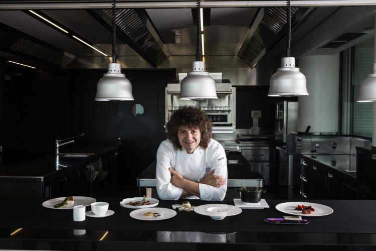 Lo chef Valentino Cassanelli (foto di Lido Vannucchi)