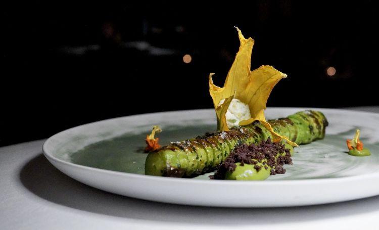 Zucchine trombetta d'Albenga al forno, la loro crema, i loro fiori, terra di olive taggiasche, ricotta di pecora Brigasca, limone