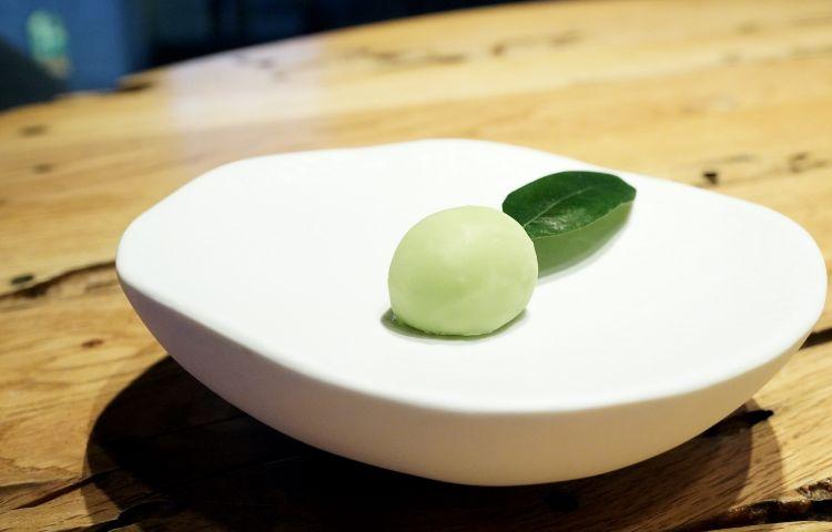 Finta oliva con crema di olive