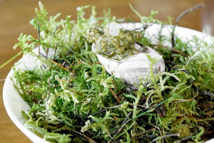 Lumache di Cherasco, bagnet verde, seppioline di laguna, limone candito all'aceto di timorasso Pomodolce