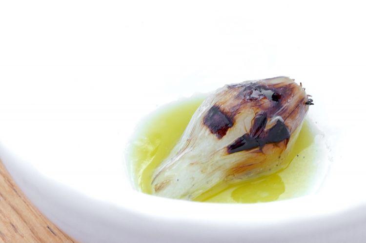 Chargrilled shallot, salt, oil and lemon