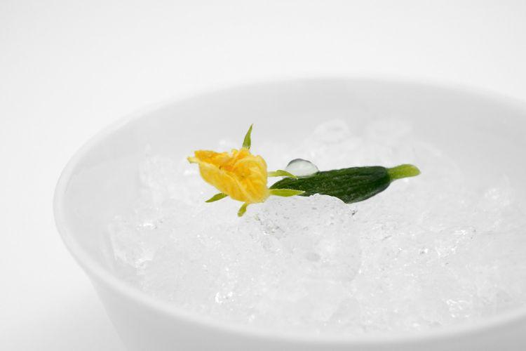Cetriolino con gel di carpione