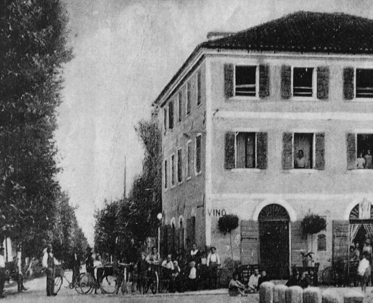 Un'antica immagine dell'edificio che accoglie il ristorante San Martino
