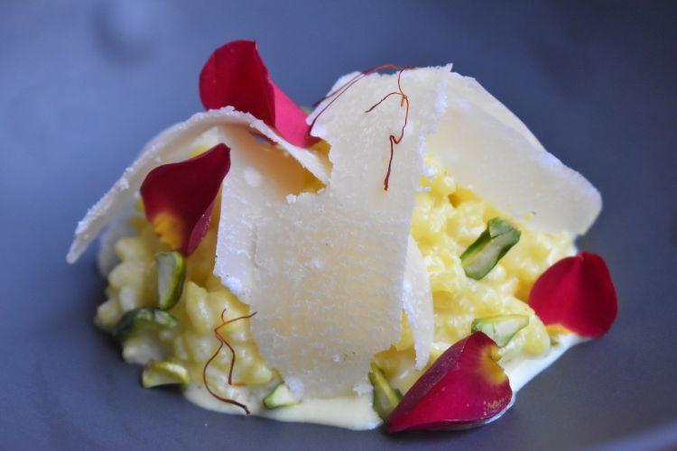 Parmigiano Reggiano 40 mesi, riso della Mancha, del ristorante Azafran in Spagna
