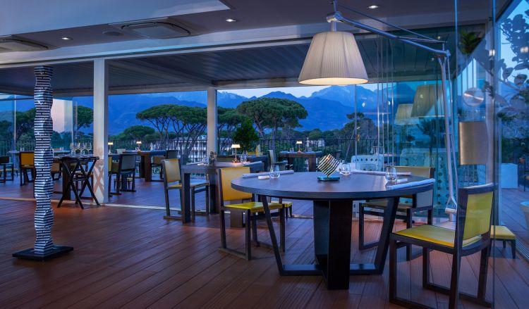La sala del ristorante Lux Lucis (foto di Fiorenzo Calosso)