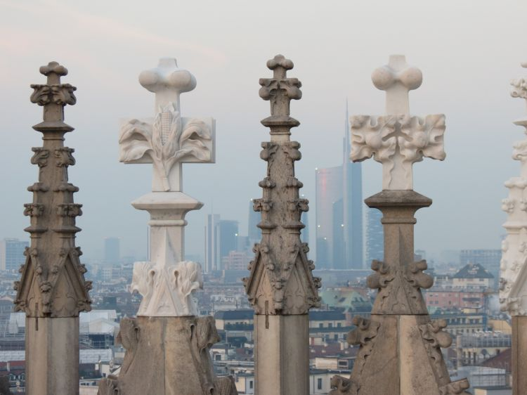 Il ricavato della vendita dei prodotti sarà devoluto al restauro delle guglie del Duomo